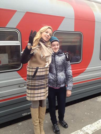С подопечными школы-интерната с. Широкий Буерак во время экскурсии в Москву.