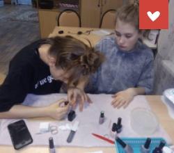 Обучение воспитанниц ЦПД «Созвездие» г. Астрахань маникюру